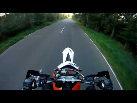 Trying wheelies on KTM SMC 690