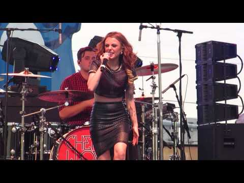 Cher Lloyd live at Family Gras 2014 - I Want You Back