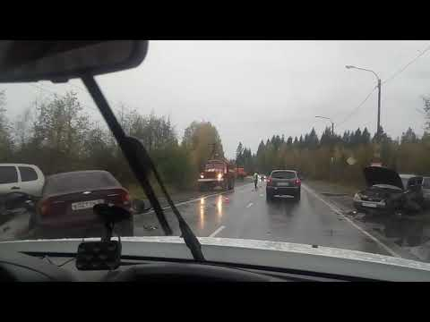 Три человека пострадали в групповом ДТП с уснувшим водителем