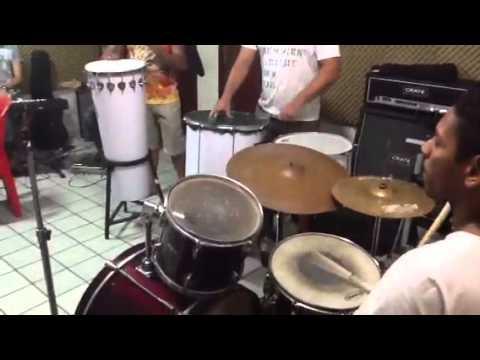 CHICA ÉGUA 3 músicas novas (repertório novo 2013)