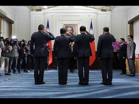 總統主持「國軍重要高階幹部授勳暨晉任佈達授階典禮」