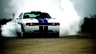 2011 Dodge Challenger SRT8 392 - First Test videos