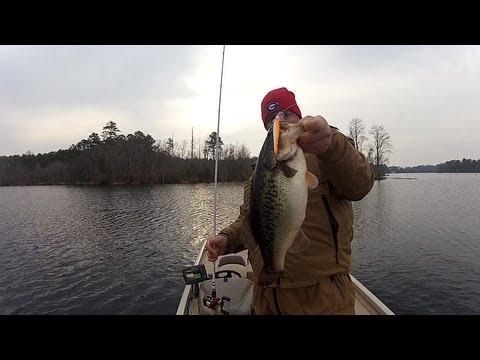 Winter bass fishing jerkbaits youtube for Bass fishing jerkbaits
