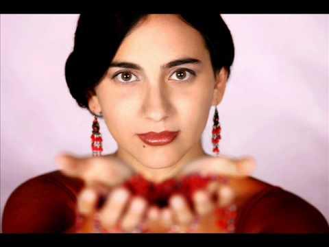 Marta Gomez Cielito lindo image