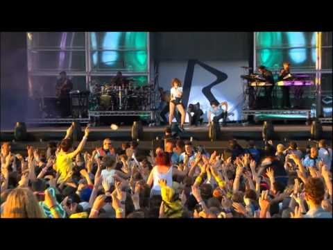 Rihanna - Only Girl Live HD1080p.mp4,