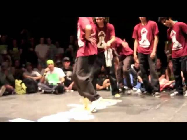 rollingrockTV: breakdancing_ - ghost rockz vs la halla king zoo doyobe 2010