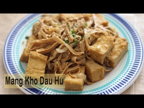 Mang Kho Dau Hu Chay (Vegetarian Braised Tofu with Bamboo Shoots)