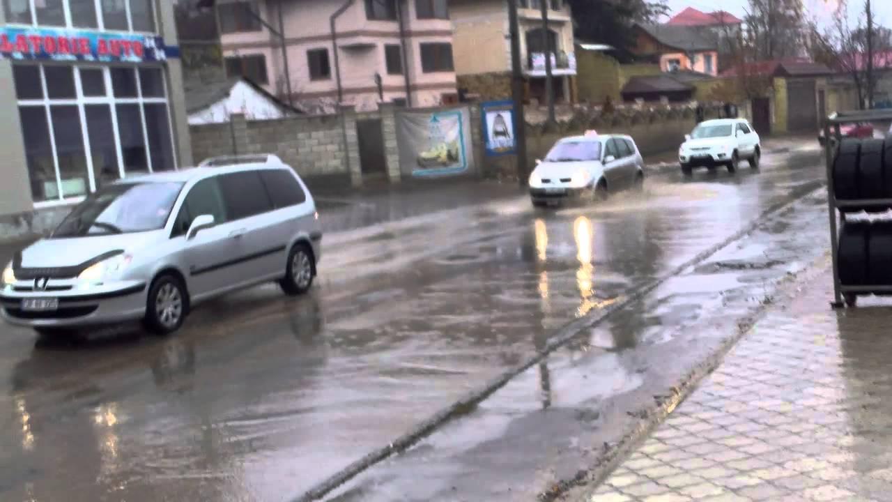 Strada Inculeț din capitală e calamitate naturală pe orice ploaie