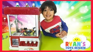 Thomas and Friends Surprise Toys Challenge The Claw Arcade Crane Game Thomas Minis Kinder Egg