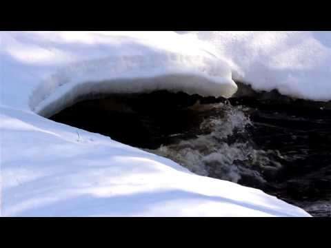 1334 Flowing water under the snow caps