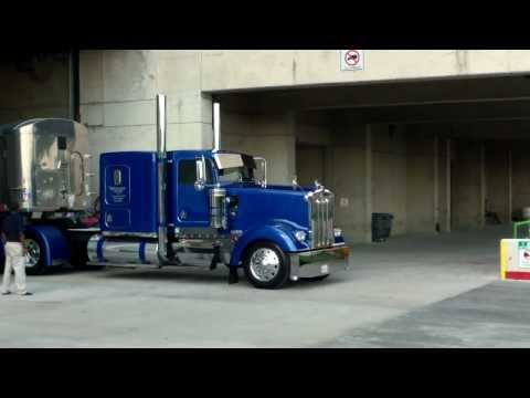 Hình ảnh trong video Vinnie's Peterbilt as seen on North American