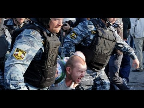 Police crack down on anti-Putin protesters