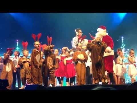 ảnh trong video Hillsong Christmas Carols Spectacular 2013 ~ Sydney