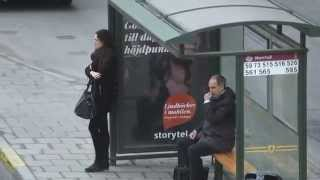 [Hilarious bus stop video - Man gets caught!] Video
