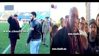 بالفيديو..لحظة احتجاج رئيس الوداد الفاسي على الحكم وسط الملعب وها علاش |