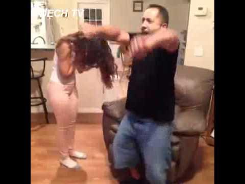 Phản ứng của ông bố khi nghe con gái chia tay bạn trai