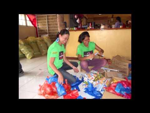 HelpAge International Response to Typhoon Haiyan: Shelter and Aid Distribution
