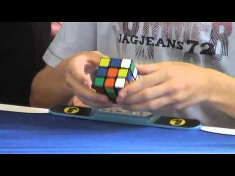 Rubik's cube world record average of 5: 7.87