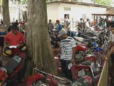 Detran realiza leilão de veículos e motos