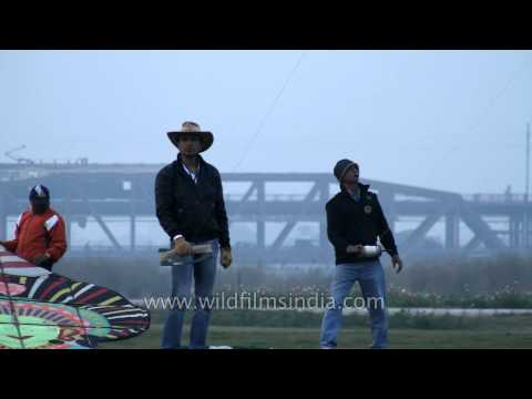 Delhi's International Kite Flying Festival 7D Card 1 & 3  8