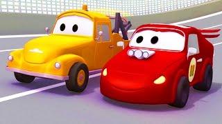 Odtahový vůz Tom a závodní auto