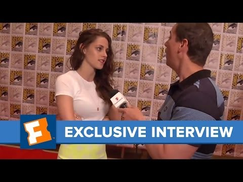 Fandango - Exclusive: Kristen Stewart -- Comic-Con 2012 Interview