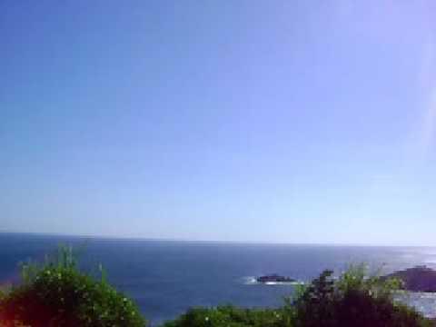 Descendo morro em Arraial do Cabo