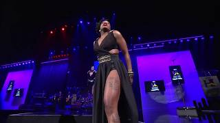 "Fantasia Performs ""When I See You"" at Steve Harvey's Neighboorhood Awards"