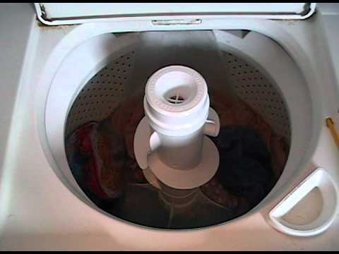 1990 Whirlpool Washing Machine: Towels.