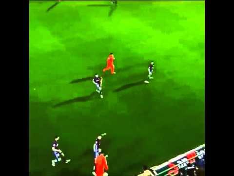 Những pha xỏ háng của Messi