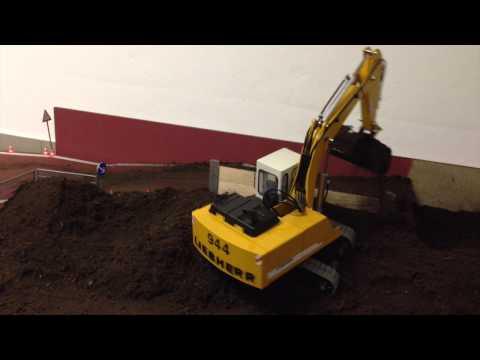 RC Excavator Liebherr 944 Abraumentsorgung