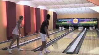 Djokovic vs Sharapova bowling with racket