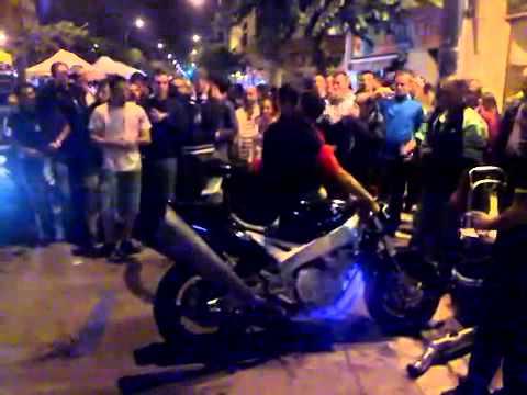 Prueba De Escape Moto Deportiva De Lujo | Motos Tuning
