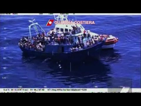 More migrants arrive in Italy after shipwreck