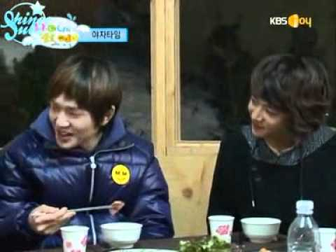 SHINee Funny Dinner and Age Swap Game, One of my favourite parts in HiBaby,its so funny that all the elders are getting attack for the 3 minute segment...lol... Especially Onew and JongHyun...hehe...