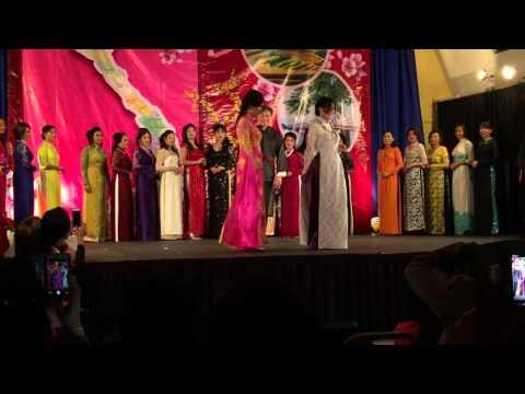 Vista by Night 2016: Ao Dai Menh Phu Fashion Show