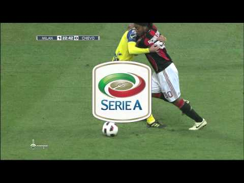 Ronaldinho crazy skills Vs Chievo 2011 HD