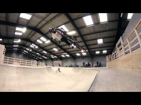BMX - POWER HOUR: Ashley Douglas - Vital BMX - Chris Wilmshurst