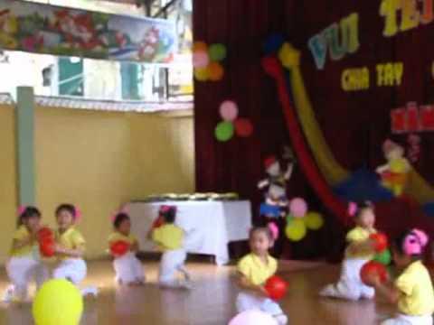 Lớp 3 múa bài Quả bóng tròn tròn.flv