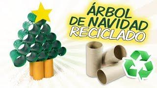 Árbol navideño de rollos de papel higiénico
