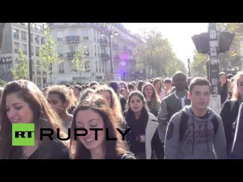 France: Mass student protest after Roma girl gets deported