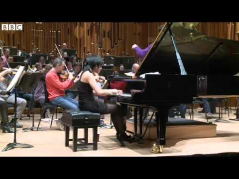 BBC speaks to Chinese pianist Yuja Wang 2