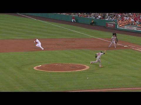 BAL@LAA: Norris takes a sharp grounder to his leg