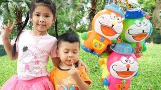 Trò Chơi Tìm Trứng Doraemon Đội Mũ ♥ Bé Bún – Bé Bắp ♥ Bóc Trứng Đồ Chơi Trẻ Em