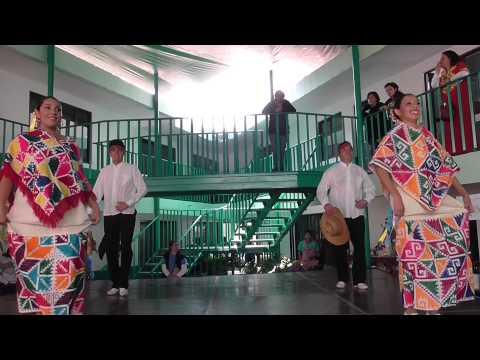 Grupo de Bailes Folkloricos y Danzas Prehispanicas