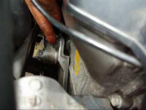 Замена ремня навесного оборудования на двигателе 1ZZ-FE