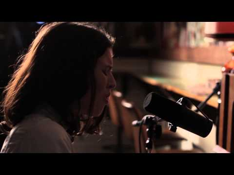 Hannah Rosa -  When the Lights Go Out | The Between Shows