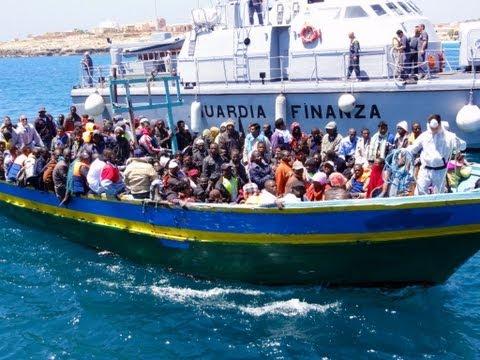 Italie: une trentaine de cadavres sur un bateau
