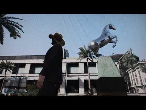 Peyton Manning Tribute Denver Bronco Statue in GTA 5 Gameplay