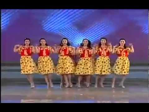 MeChoiGame.com - Màn thay trang phục siêu nhanh của ca sĩ Triều Tiên
